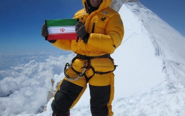 Azim Ghychisaz en la cumbre del Manaslu en 2012  (Col. A. Ghychisaz)