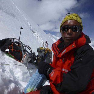 Keshab Gurung el sherpa que permaneció junto a Juanjo Garra 3 noches (4 dias) entre el C3 y la cima del Dhaulagiri.  (Manuel González Lolo)