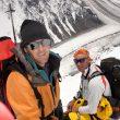 Mikel Zabalza (izquierda) y Silvio Mondinelli. Expedición de Al filo de lo Imposible al K2 en 2004.  ()