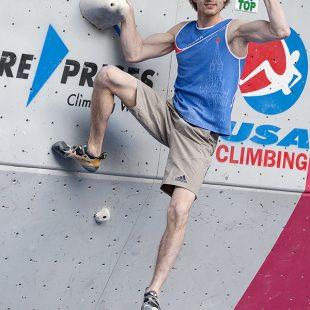 Dmitry Sharafutdinov en la Copa del Mundo de Búlder 2013 de Vail (Colorado