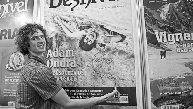 Adam Ondra compartió con nosotros en nuestro stand la experiencia de su recien encadenado 9a a vista. Os lo contaremos estos días.  ()