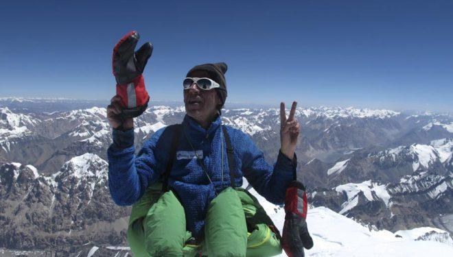 Oscar Cadiach en la cima del Gasherbrum 1. 29 julio 2013.  (Oscar Cadiach)