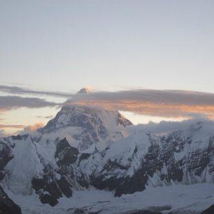 Atardecer en el K2 visto desde el Laila Peak.  (Carlos Suárez)