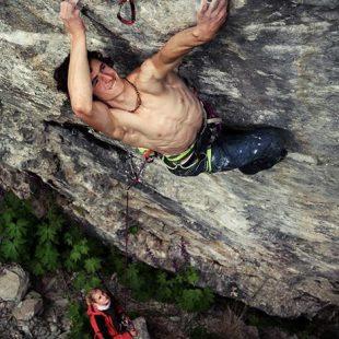 Adam Ondra en Pyrgatory 9a/+ de Hell (Noruega)  (Petr Pavlícek)