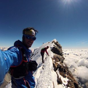 Kilian Jornet se fotografía en la cima del Matterhorn (Kilian Jornet. Facebook.)