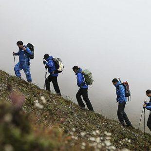 Carlos Soria y los miembros de su expedición en la marcha de aproximación al campo base del Shisha Pangma  (Expedición Carlos Soria BBVA)