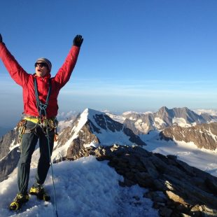 Roger Schäli en la cima del Jungfrau  (Col. R. Schäli)