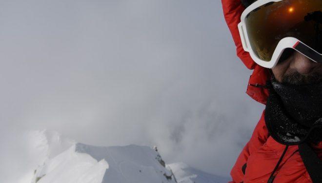 Sechu López en la cumbre central del Shisha Pangma  ()
