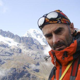 Andrés Villar durante una expedición a los Andes del Perú en 2010.  ()