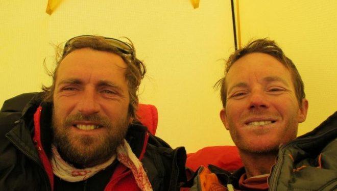 Yannick Graziani y Stéphane Benoist en el campo base de la Sur del Annapurna en 2010  (Guides06.com)