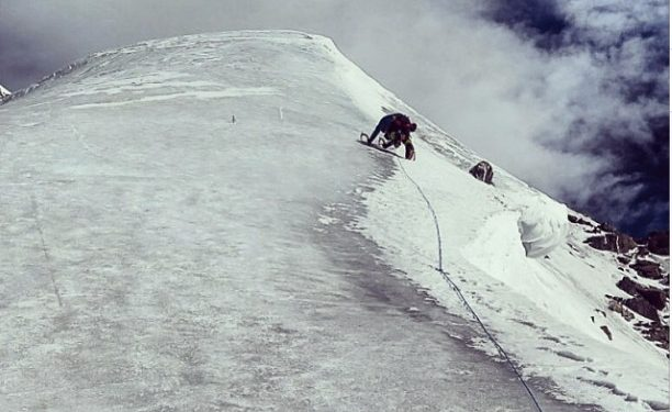 David Göttler en la helada arista por encima del C2 del Nanga Parbat  (Simone Moro)