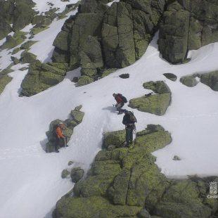 Imagen del rescate de los tres fallecidos el domingo 9 de marzo en el Cuerno del Almanzor