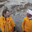 David Göttler y Simone Moro conversan en el campo base al regreso de David Göttler del intento a cima Nanga Parbat invernal del que Simone se tuvo que retirar por problemas de salud.1 marzo 2014.  (©thenorthface/emilioprevitali)