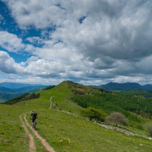 Los circuitos del Centro BTT Tolosaldea recorren los parajes más bellos de la comarca.  (Centro BTT Euskadi)
