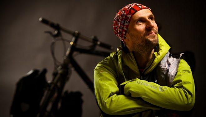 Diaconescu Radu comienza su reto de 16.000 Km en bicileta hasta el Khan Tengri  ()