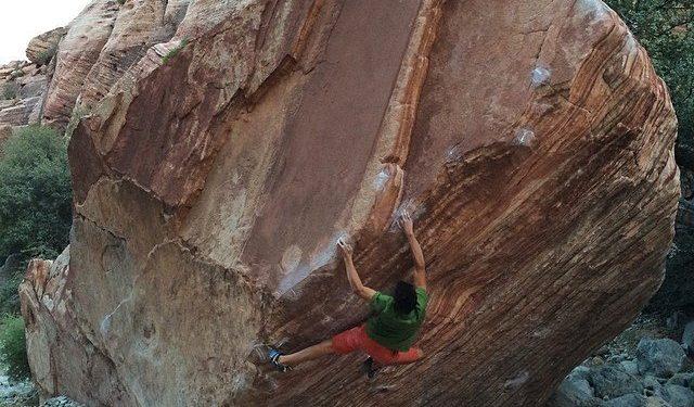 Mirko Caballero en Meadowlark lemon 8B+ de Red Rocks  (Col. M. Caballero)