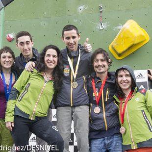 Podio masculinoy femenino primera prueba Copa España Escalada Dificultad 2014 celebrada en Zaragoza. De izda a derecha: Victor Esteller y Helena Alemán (2º)