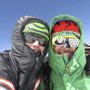 Adam Bielicki y Alex Txikon en la ruta británica de la cara norte del Kangchenjunga.  (Colección Alex Txikon)