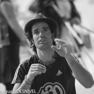 Urko Carmona ganador en categoría discapacidad física Campeonato España Paraescalada 2013 FEDME celebrado en Climbat Barcelona. (© Darío Rodríguez/DESNIVEL)
