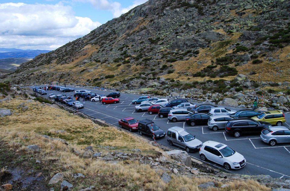 aparcamiento-plataforma-de-gredos-eduardo-hinojal-11-960x632.jpg