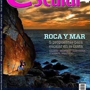 Portada de la revista Escalar nº 93. Agosto / Septiembre 2014. Roca y Mar. [WEB]  ()