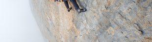 Cédric Lachat en el L5 (8c) de Orbayu. Picu Urriellu. 2014  (Sam Biè)