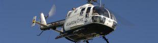 Un helicóptero de la Guardia Civil del mismo modelo (Volkov 105) del que ha sufrido el accidente hoy en León volando en los Picos de Europa.  (© Darío Rodríguez/DESNIVEL)