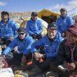 Carlos Soria en la puja en el campo base del Shisha Pangma 2014  (© Expedición BBVA)