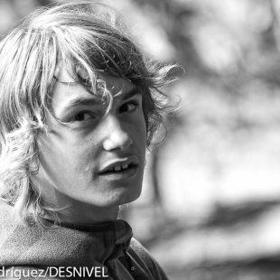 Mikel Linacisoro Molina (13 años) esquiador y escalado  (c) Darío Rodríguez/Desnivel)