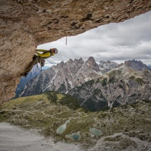 Dave MacLeod en Project Fear 8c a la Cima Ovest de Lavaredo (Dolomitas) (Matt Pycroft/Coldhouse Collective)