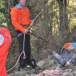 David Lama asegura a un participante en el Gore-Tex Climbing Day de la IMS 2014  (Isaac Fernández / Desnivel.com)