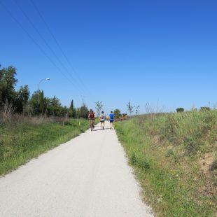 El tramo entre Móstoles y el puente de hierro sobre el Guadarrama está acondicionado y es muy utilizado por los mostoleños.  (Dioni Serrano)