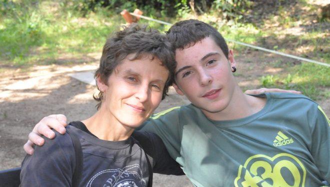 Esther Cruz y su hijo Eneko Carretero  (Isaac Fernández / Desnivel)
