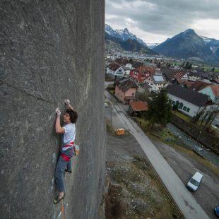 Fabian Buhl en Psychogramm 8b+ en Vorarlberg  (Jacopo Larcher)