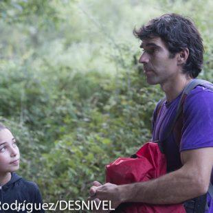 Brooke Raboutou (11 años) con Dani Andrada (37 años) en Rodellar. Julio 2012  ()