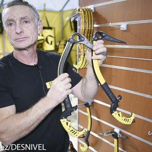 Stevie Haston nos muestra la nueva gama de piolets Tech Machine de Grivel en la Ispo 2015  (© Darío Rodríguez/DESNIVEL)