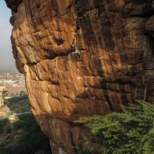Nico Favresse en Ganesh 8b+ de Badami (India)  (Col. N. Favresse)