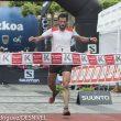 Kilian Jornet llega a meta ganando su séptima Zegama-Aizkorri en la edición 2014. Hace un tiempo de 3h48'