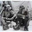 Charles Evans y Edmund Hillary en el campamento base en 1953.  ()