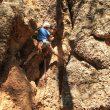 Escalador en el primer encuentro de escalada en Callejuelas