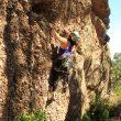 Escaladora en el primer encuentro de escalada en Callejuelas