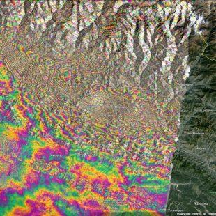 El interferograma que muestra la zona de Nepal que se elevó 1 metro tras el terremoto del 25 de abril  (LiveScience.com)
