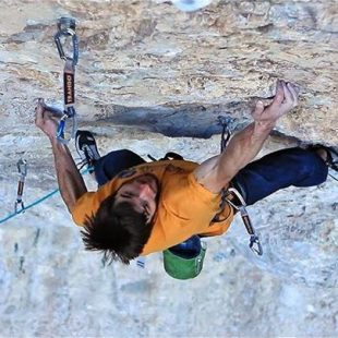 Ethan Pringle en Jumbo love 9b de Clark Mountain  (The RV Project)