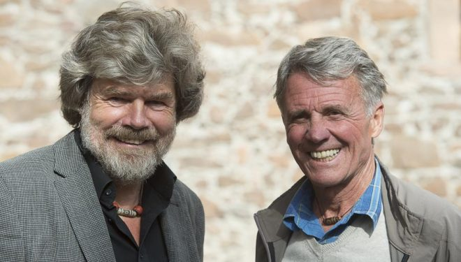 Reinhold Messner y Peter Habeler en el International Mountain Summit 2014.  (© Darío Rodríguez/DESNIVEL)