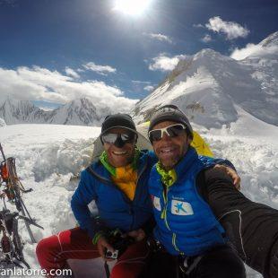 Tom Seidensticker y Ferran Latorre en el C2 del Gasherbrum I  (Col. F. Latorre)
