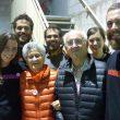 Eli Verges y Josep Manuel Anglada rodeados de participantes en el encuentro de escaladoras Neskalatzaileak 2015