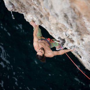 Alex Huber en Il capitano en Capo Monte Santo (Cerdeña). Mayo 2015  (Adidas Outdoor)