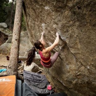 Alex Puccio en Free range 8B de Boukder Canyon. Octubre 2015  (Chris Motta)