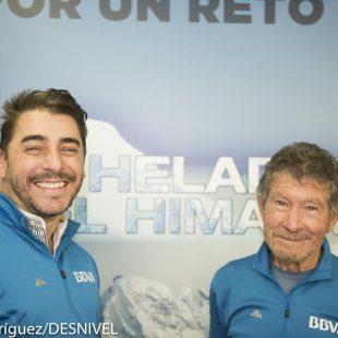 El cocinero Jordi Roca y Carlos Soria en la presentación de El heladero del Himalaya  (© Darío Rodríguez/DESNIVEL)