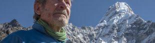 Carlos Soria ante el Ama Dablam (6.812 m.)